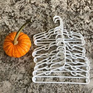 Bundle of 10 Kid Hangers
